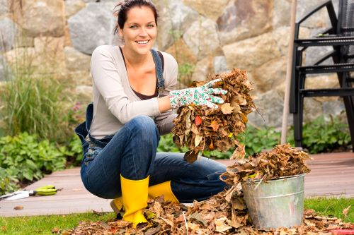 How to Handle Yard Waste This Fall