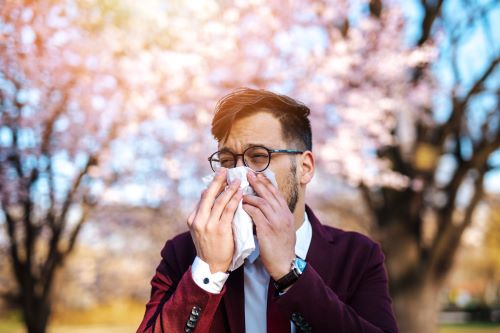 Avoid Planting These Strongly Scented Trees If You Have Allergies